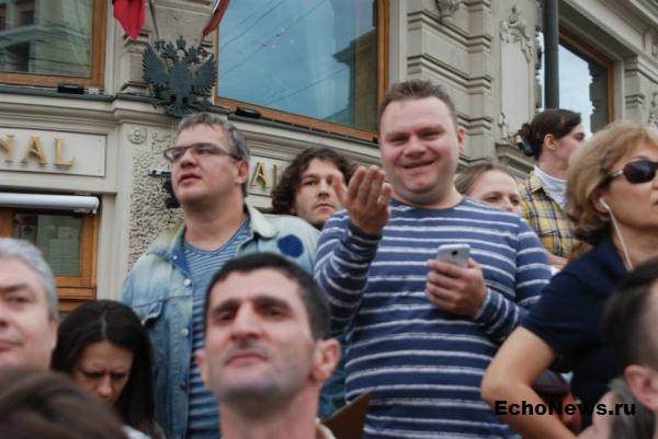 ФОТО ДНЯ: Журналисты Эха вышли поддержать Алексея Навального